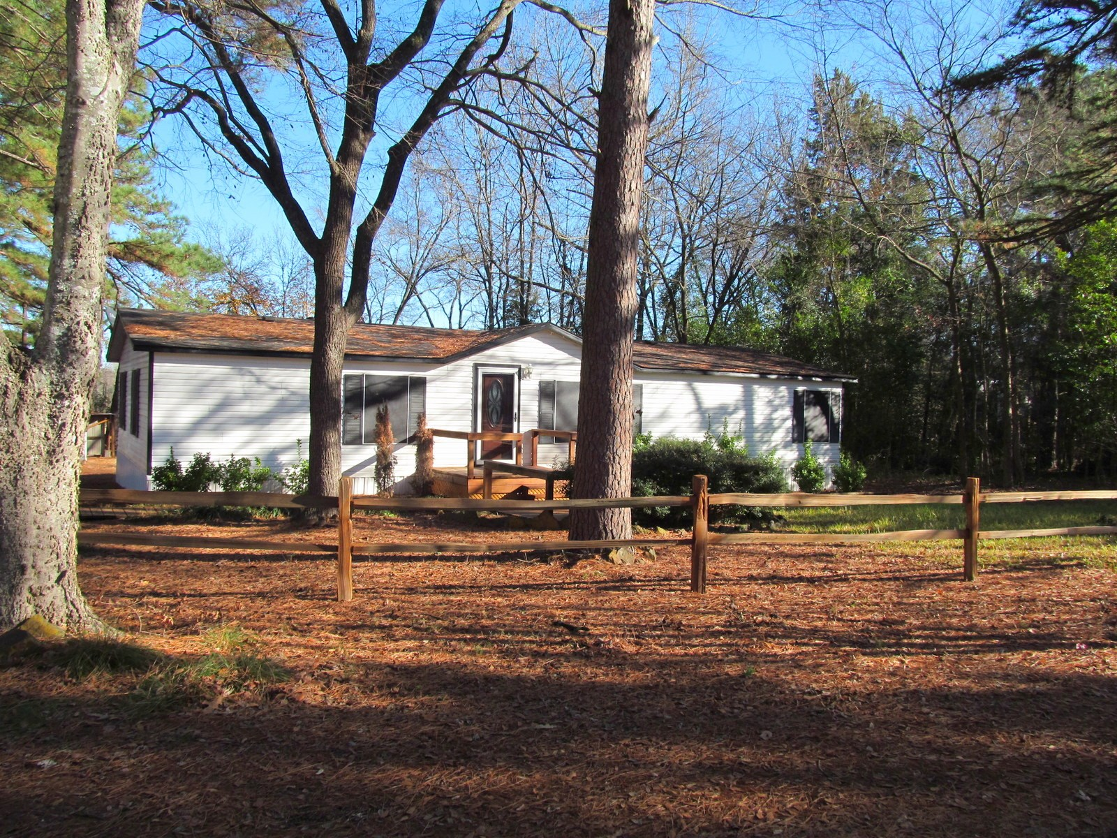 4/2/1 MANUFACTURED HOME ON 1.33 ACRES BY LAKE QUITMAN, TEXAS