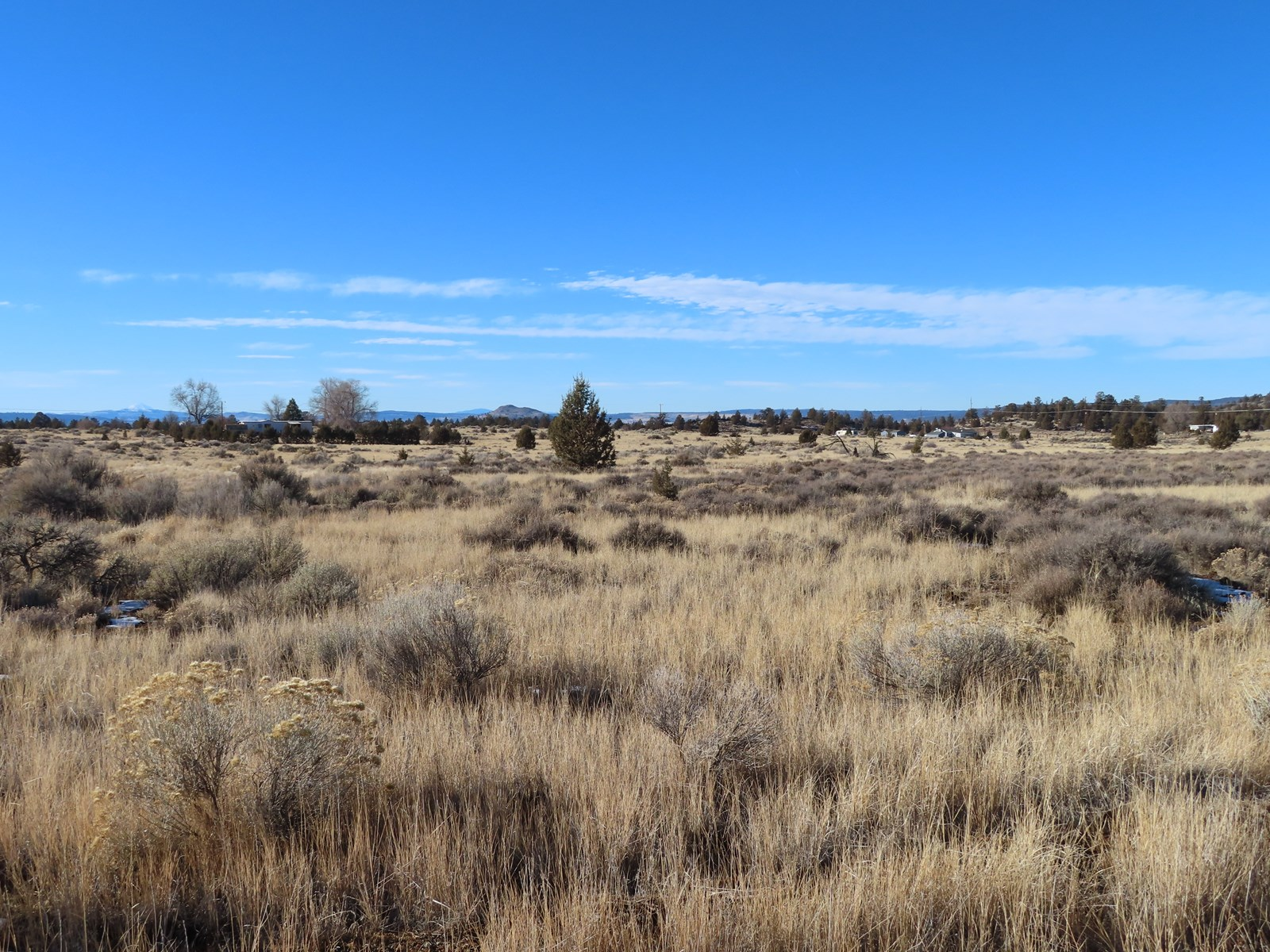 .94 acre lot at end of cul-de -sac with views of the Shasta