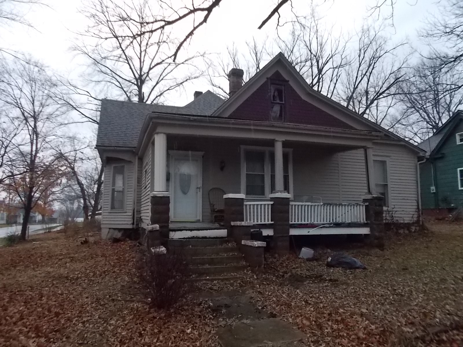 Home / 3 Bed Rental for Sale, 2 Blocks from CMU in Fayette