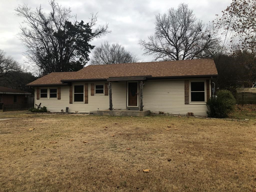 3/2 HOME FOR SALE IN ELKHART TEXAS