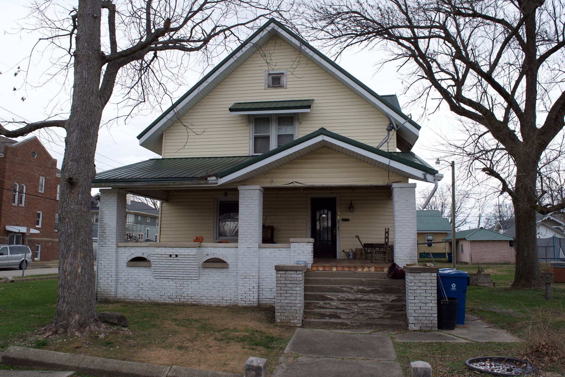 6 Bedroom, 2 Bath Home, Online Auction, Lawrenceville, IL