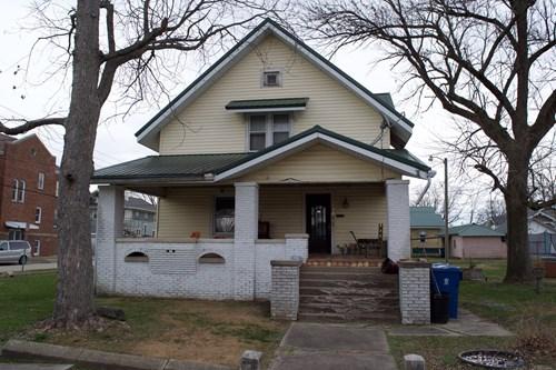 6 Bedroom, 2 Bath Home, Online Auction, Lawrenceville, IL