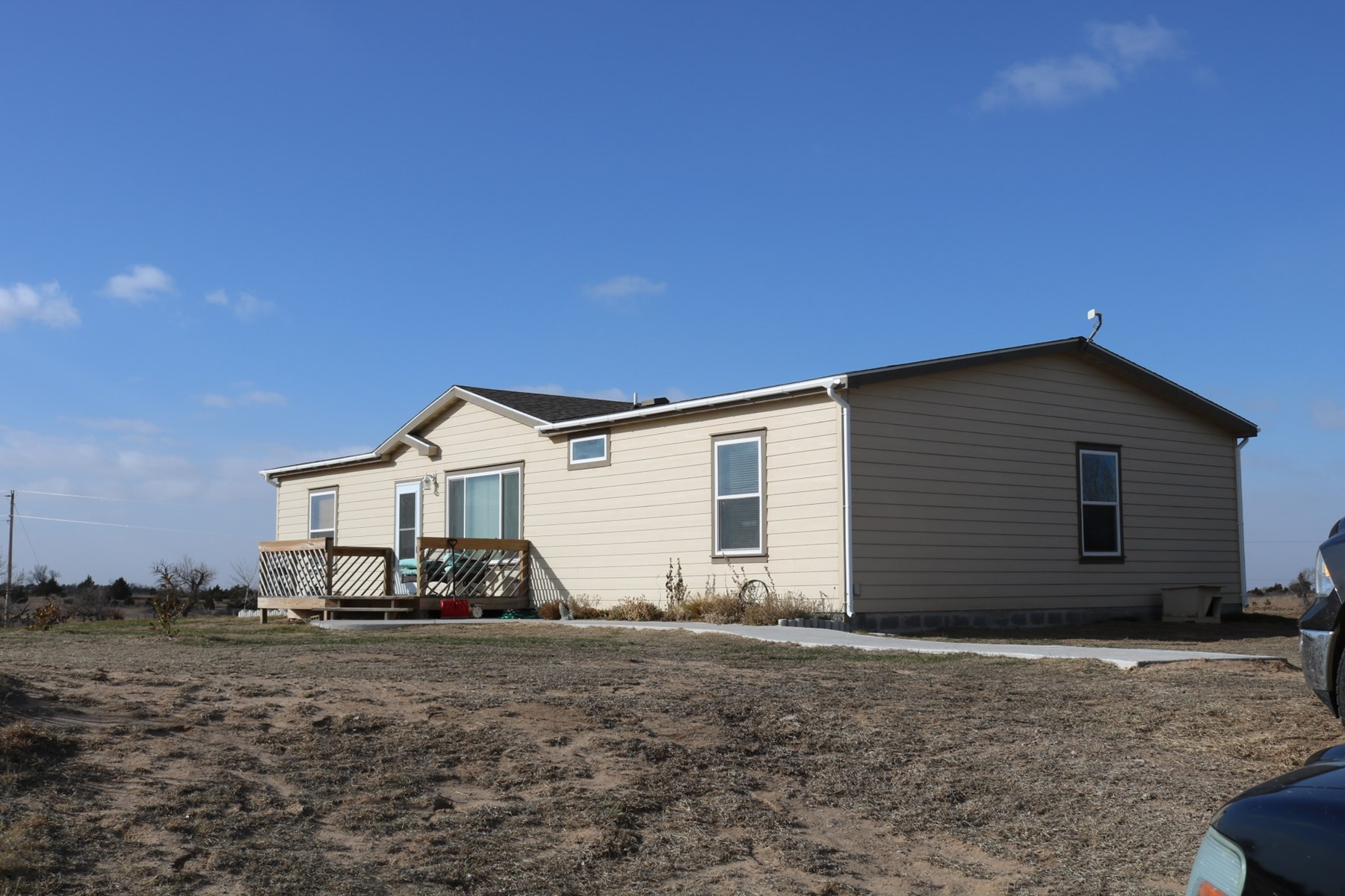 Country Home in Kiowa County, Kansas For Sale