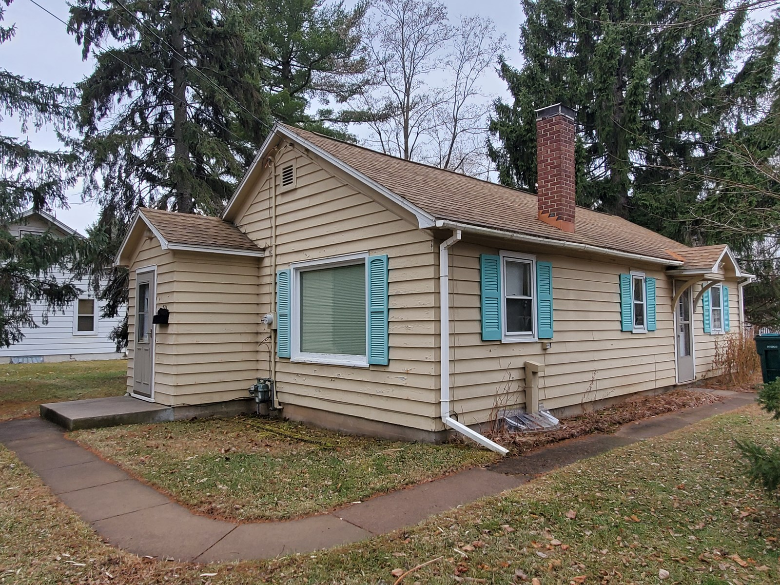 City of Waupaca Home For Sale
