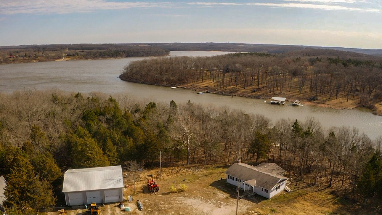 Lake Home For Sale in Missouri with Hunting