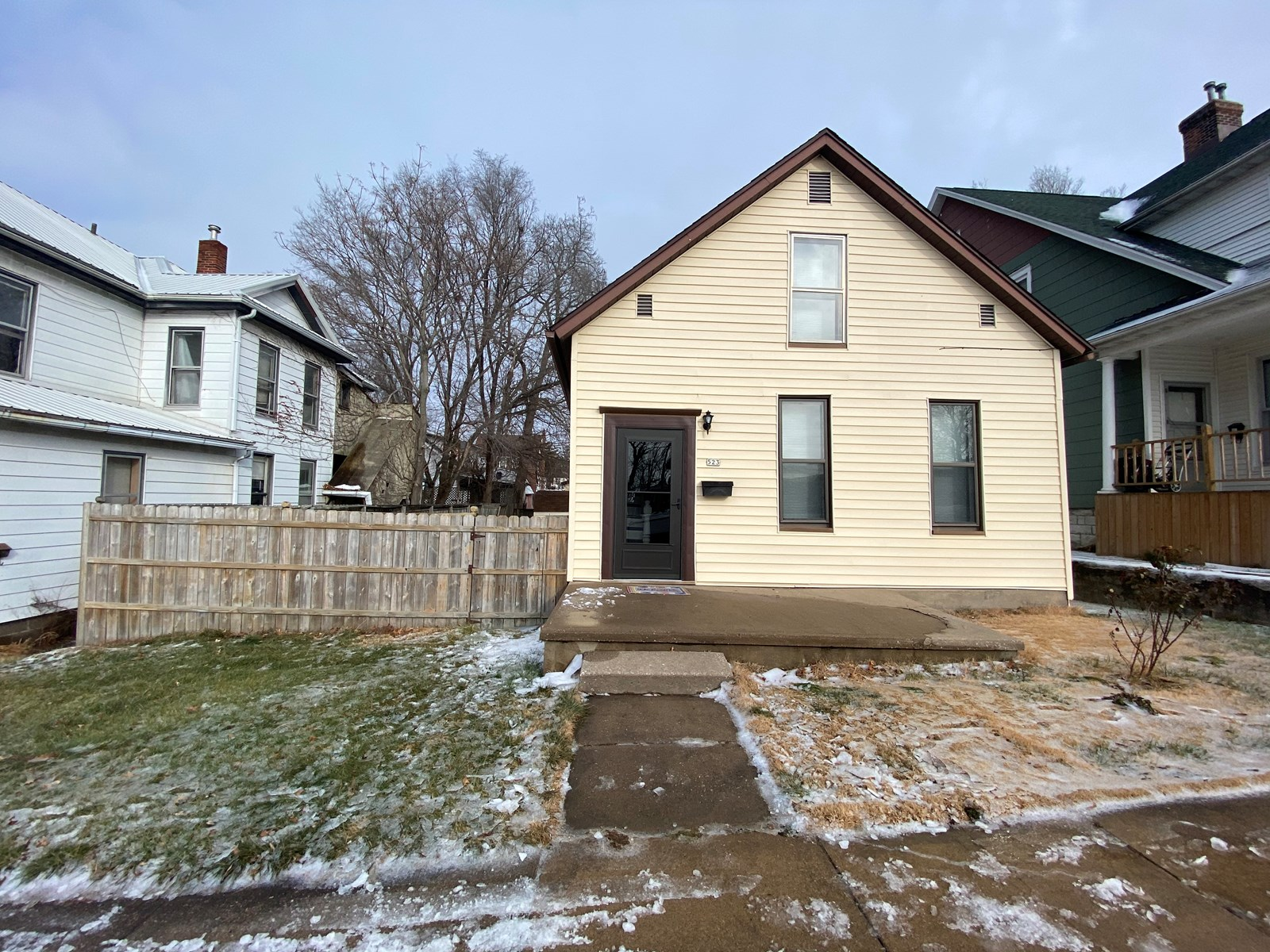 Home in Keokuk, IA  that has been beautifully updated.