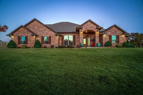 Clinton, OK Home for Sale, Custer County, Western Oklahoma