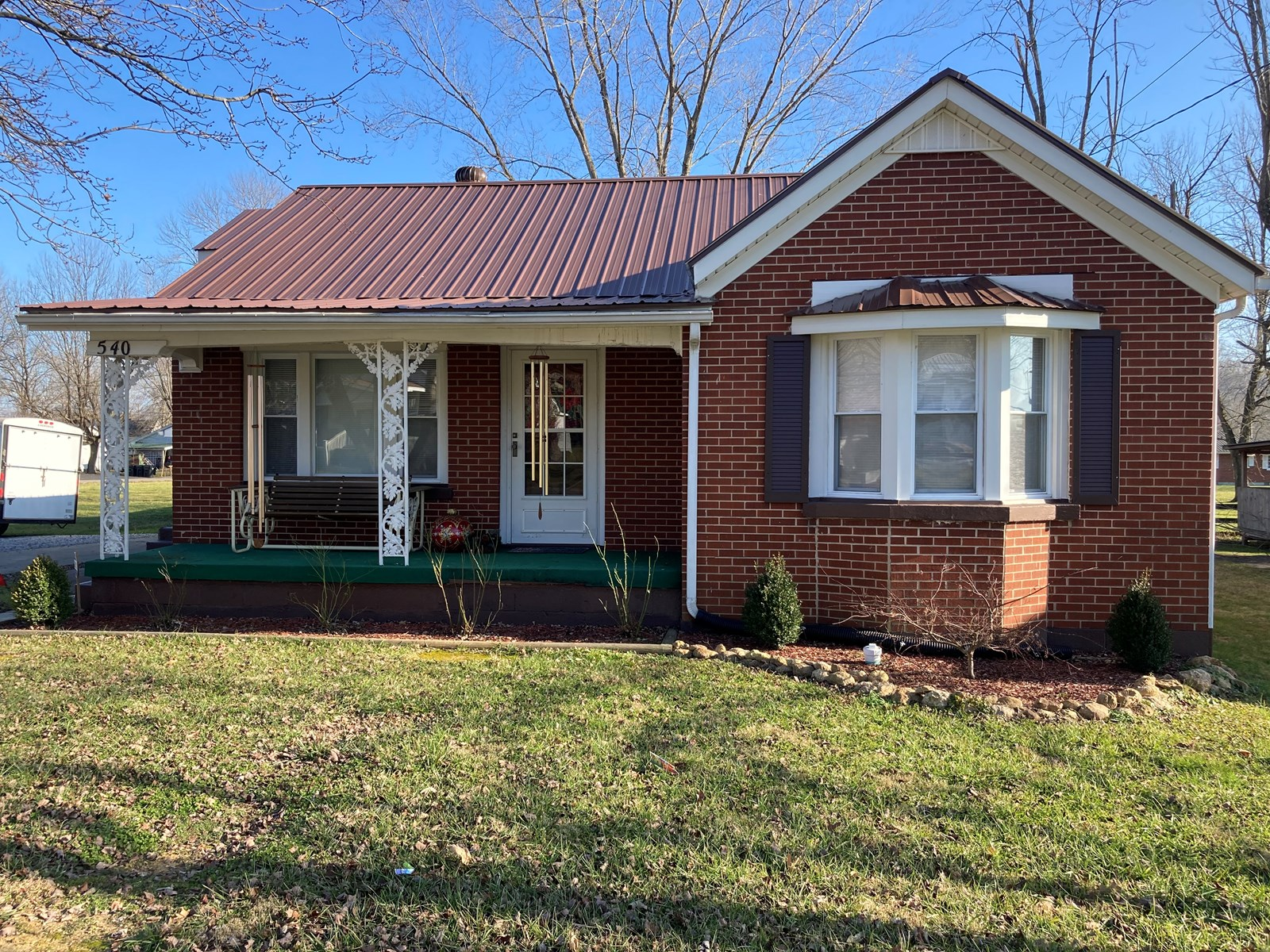 HOME IN TOWN-APPLIANCES INCLUDED-BRICK
