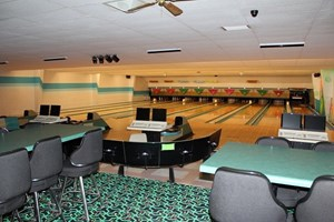 BOWLING ALLEY LIQUOR LICENSE CASINO PIZZA