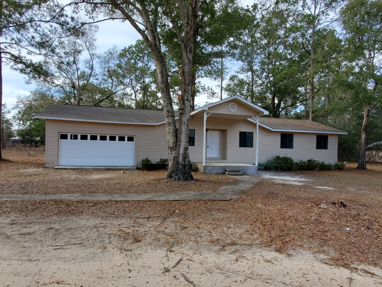 Nicely renovated home near I-10 and Tallahassee