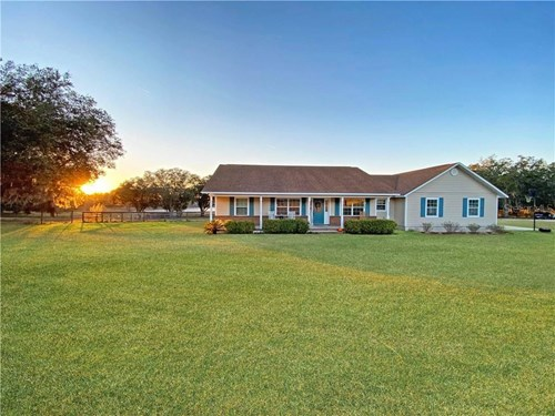 Lakefront Farm with Country Home for Sale Dunnellon, Florida