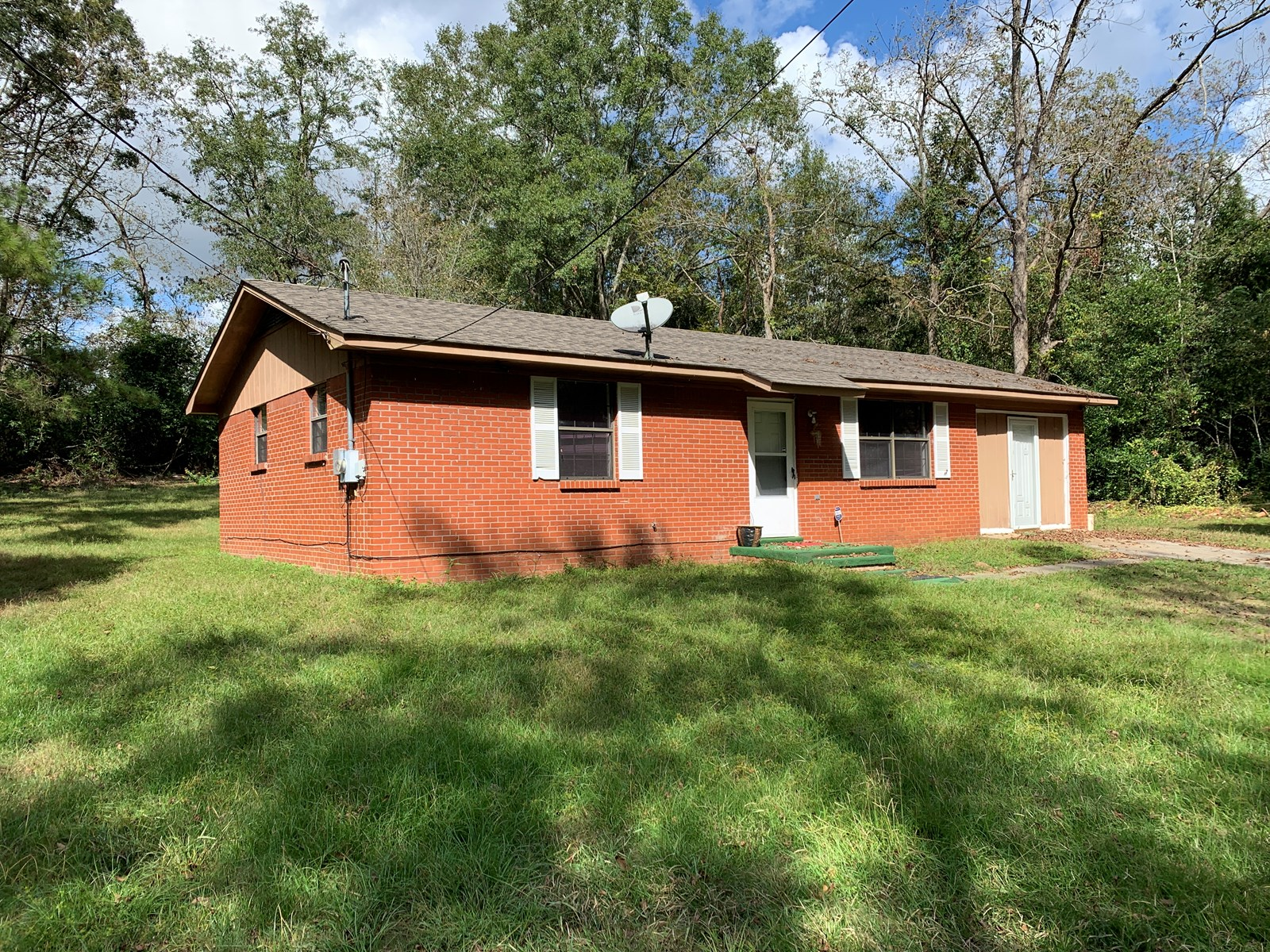 Home and 2 acres for Sale in Brundidge, Alabama