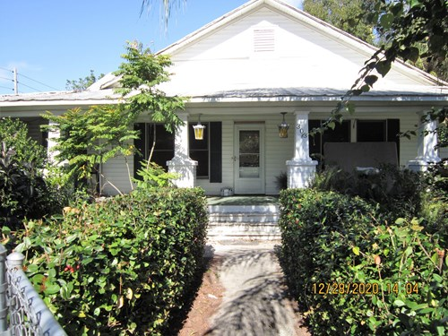 HISTORIC HOME WITH GUEST HOUSES, DOWNTOWN LAKE WALES