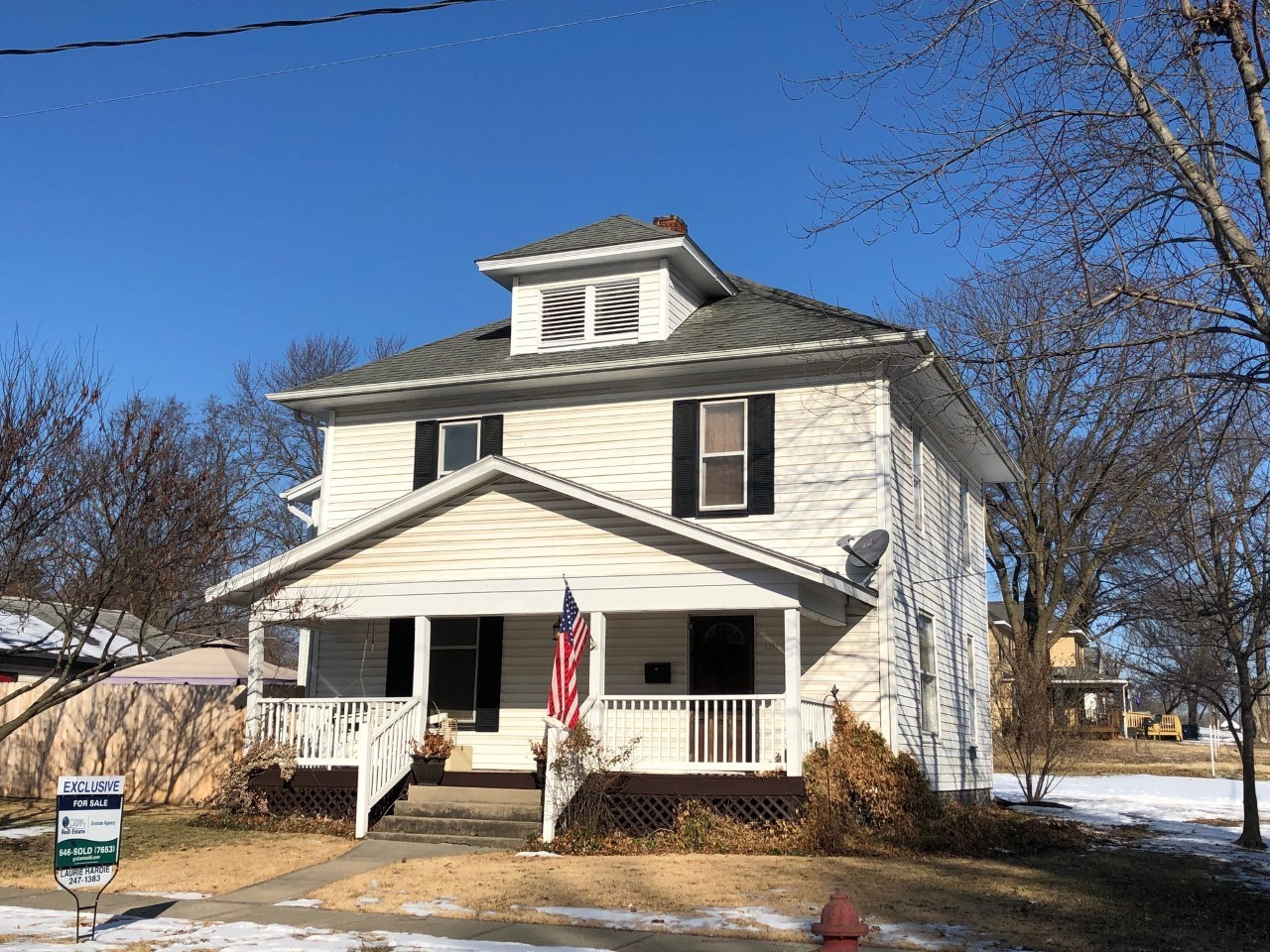 For Sale Charming 2 Story Home Corner Lot Chillicothe, MO