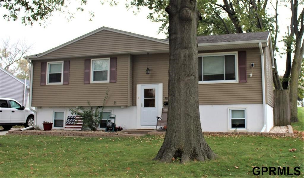 SPLIT LEVEL FOR SALE OMAHA, NEBRASKA
