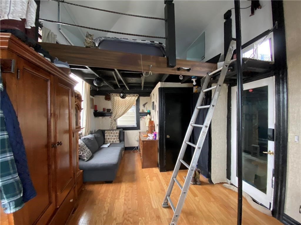 ULTIMATE BACHELOR PAD! Building Turned Living Quarters