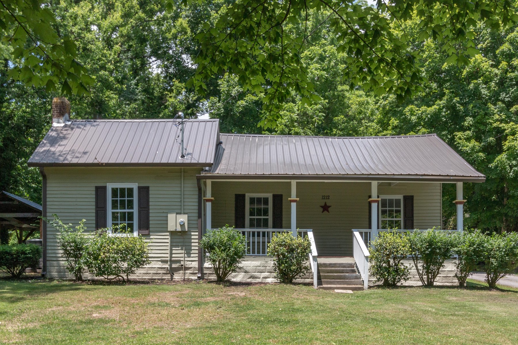 Historic Home in Town for Sale in Columbia, Tennessee