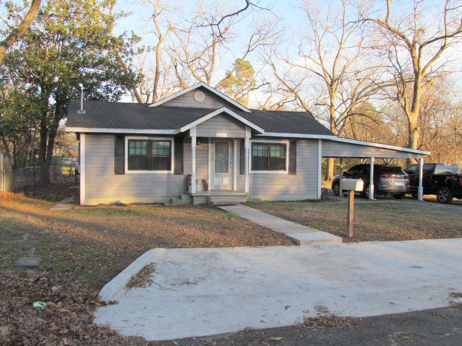 WINNSBORO WOOD COUNTY TEXAS REMODELED HOME IN TOWN FOR SALE