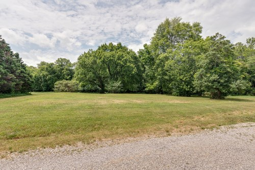 Unrestricted Residential Lot for Sale in Columbia, Tennessee