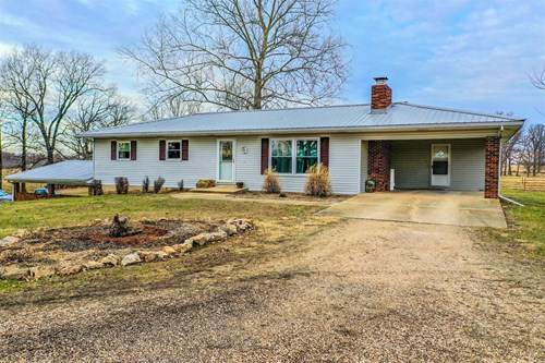 Hobby Farm with 3 bedroom home and full basement on 5 acres!