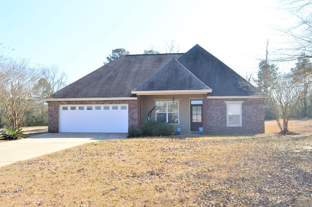 Newer Brick home in North Pike School District, McComb, MS