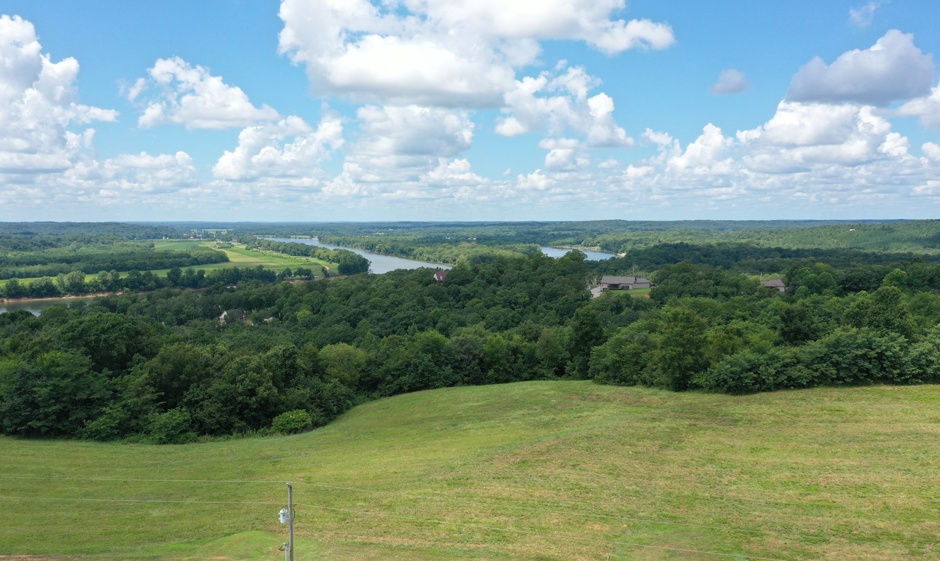 Vacant land near the Tennessee River with incredible views.