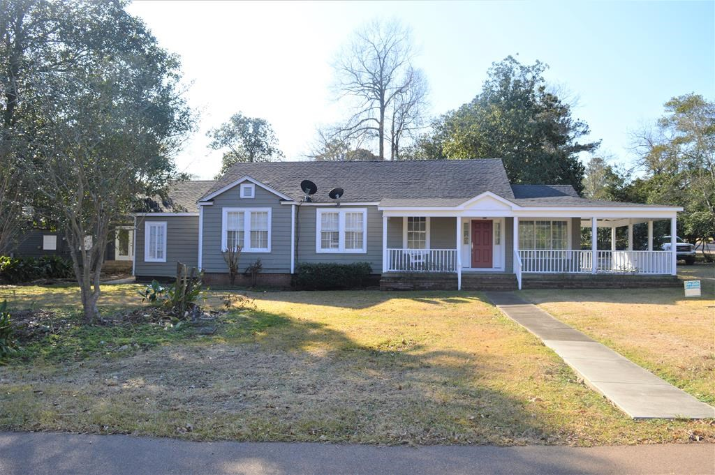 Updated home for sale with Apartment, McComb, MS