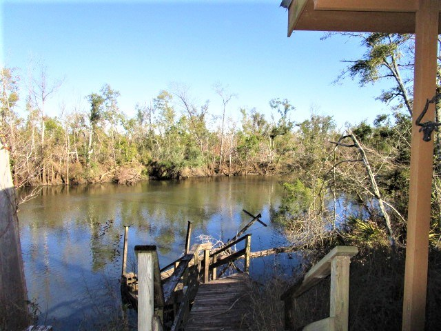 Riverfront home in on Chipola in Altha Florida