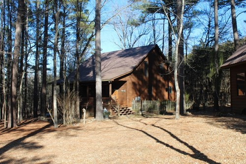 CABIN  STYLE HOME THAT JOINS THE OZARK NATIONAL FOREST
