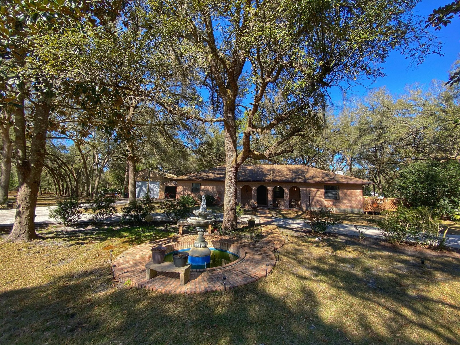 CHARMING HOME IN OLD TOWN FL!