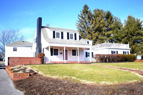 Historic home with modern improvements in Wytheville, VA