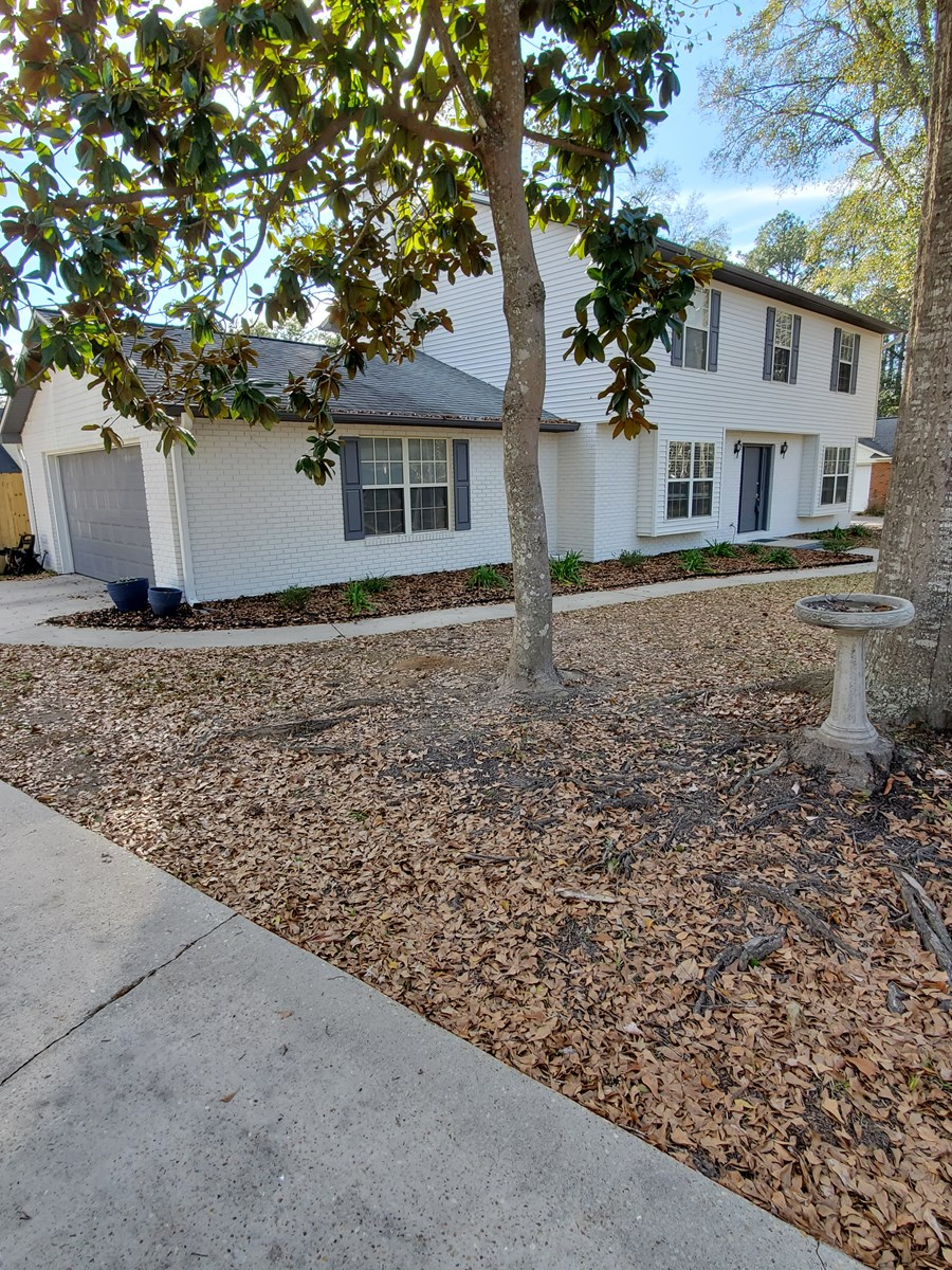 4 Bedroom 2.5 Bath home in Tallahassee with Huge, fenced yd!