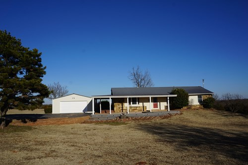 No Reserve Auction Home on 2 acres Sunday Feb 21 @ 1:30 p.m.