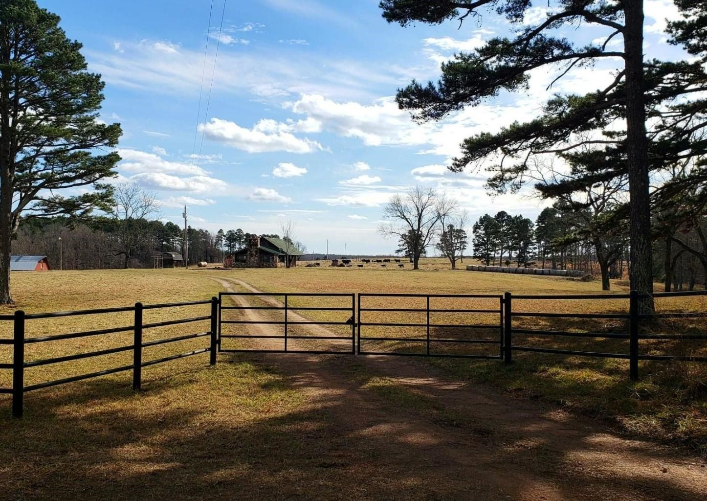 Southern Missouri Farm For Sale - Bordering National Forest