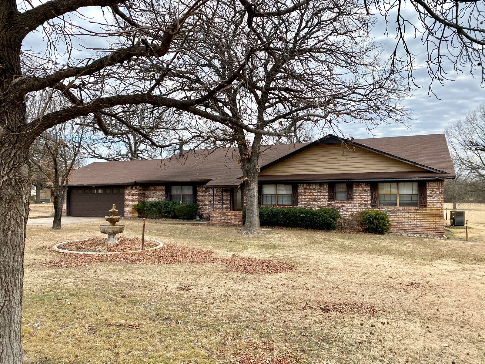 SOUTHERN OKLAHOMA COUNTRY HOME FOR SALE-OUTSIDE CITY LIMITS