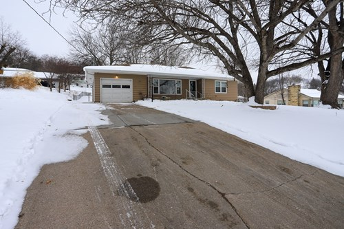 CB east end large home close to shopping I-80 updated