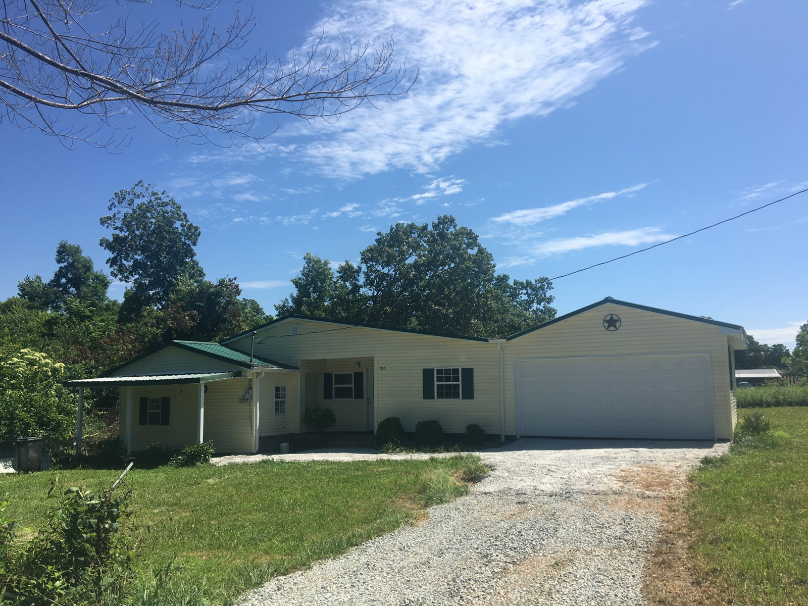 3 Bed 2 bath house for sale in Summertown TN