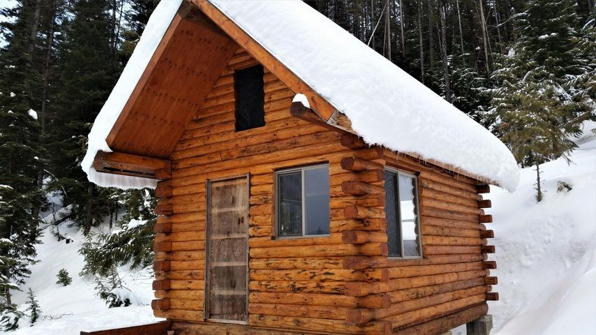 SUSTAINABNLE LOG CABINS CABINET MOUNTAINS FOR SALE