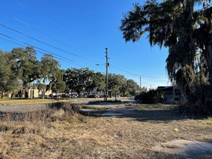MULTI FAMILY ZONED LOT IN LAKE CITY FLORIDA