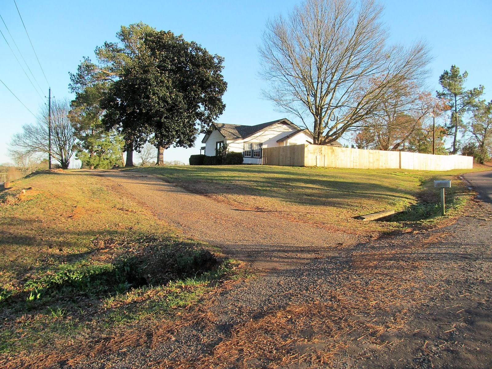 WINNSBORO TEXAS HOPKINS COUNTY COUNTRY HOME ON OVER AN ACRE