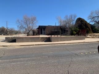COMMERCIAL BUILDING FOR SALE IN BIG SPRING