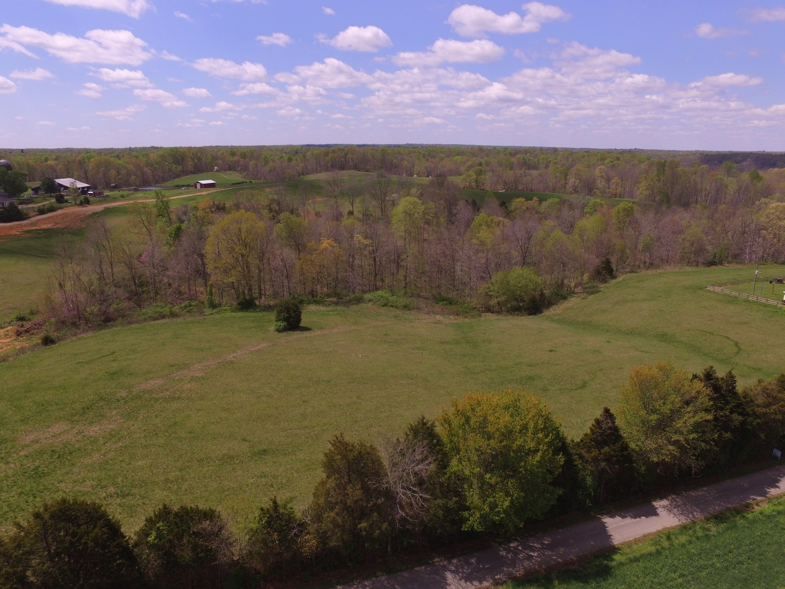 UNRESTRICTED ACREAGE-BUILDING SITES-HUNTING-LIBERTY, KY.
