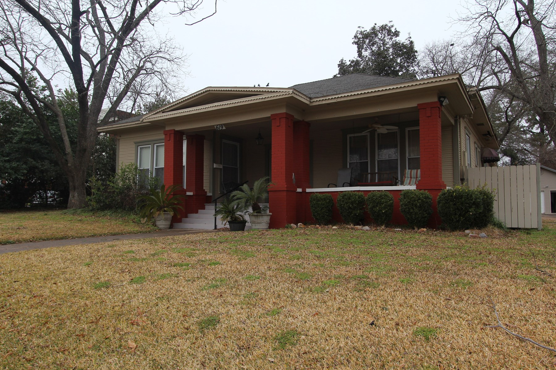 Home In Town For Sale Located In Sulphur Springs Texas