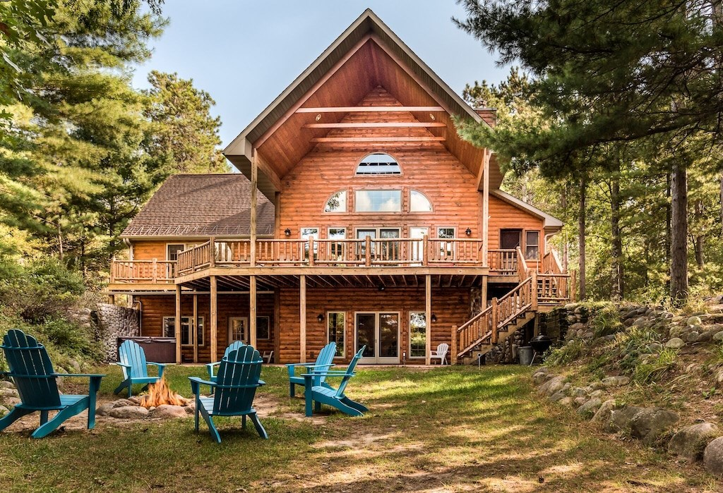 Income Producing Lakefront Log Home for sale Waushara Co. WI