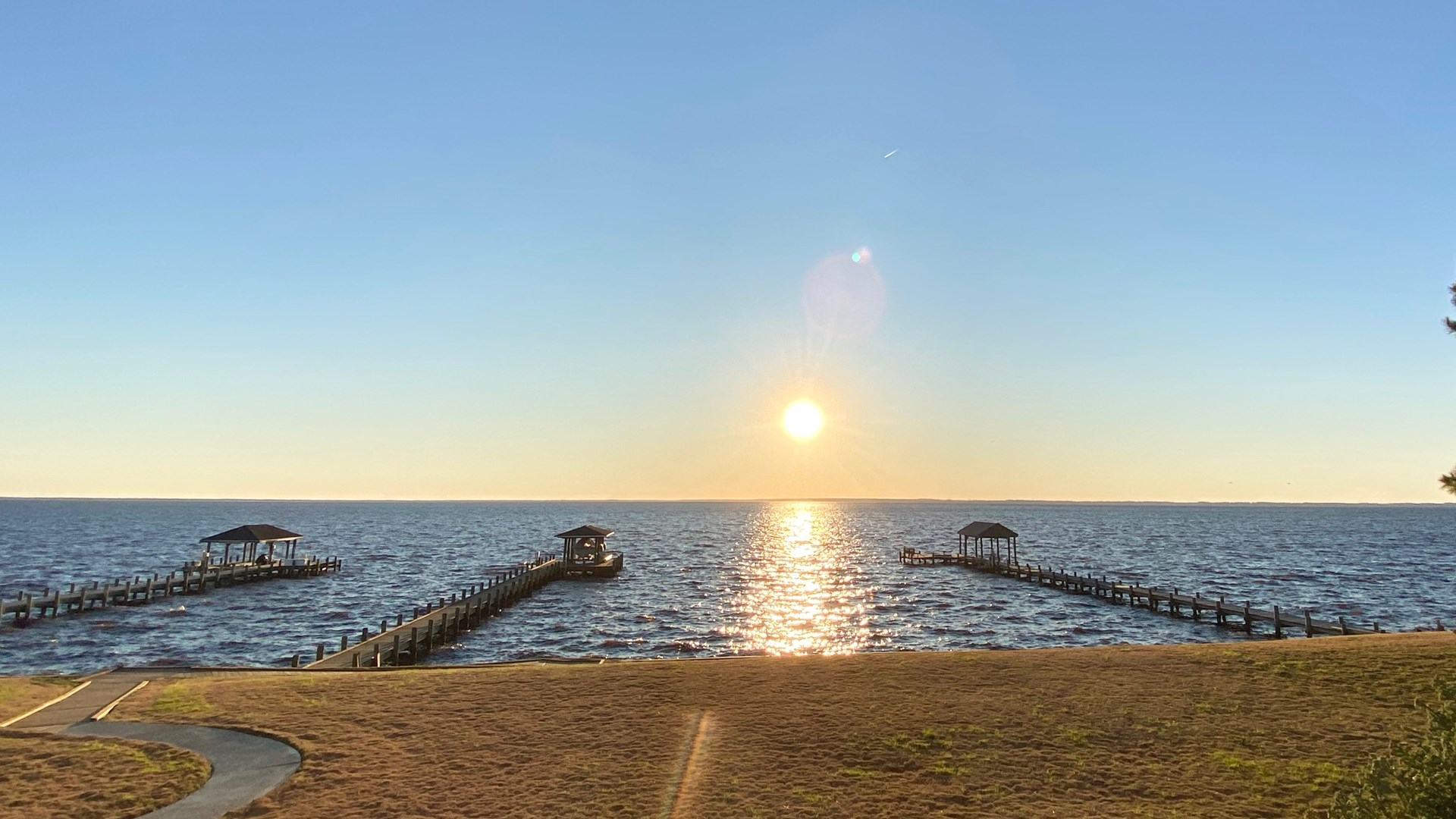 Sound front luxury home in historic Edenton NC-SUNSET VIEW
