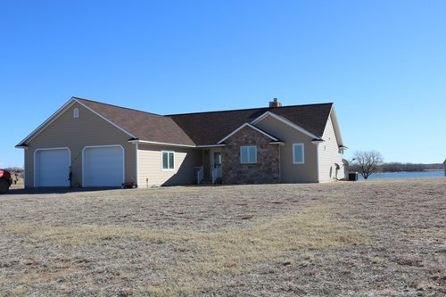 Coldwater Kansas Country Lake Home For Sale