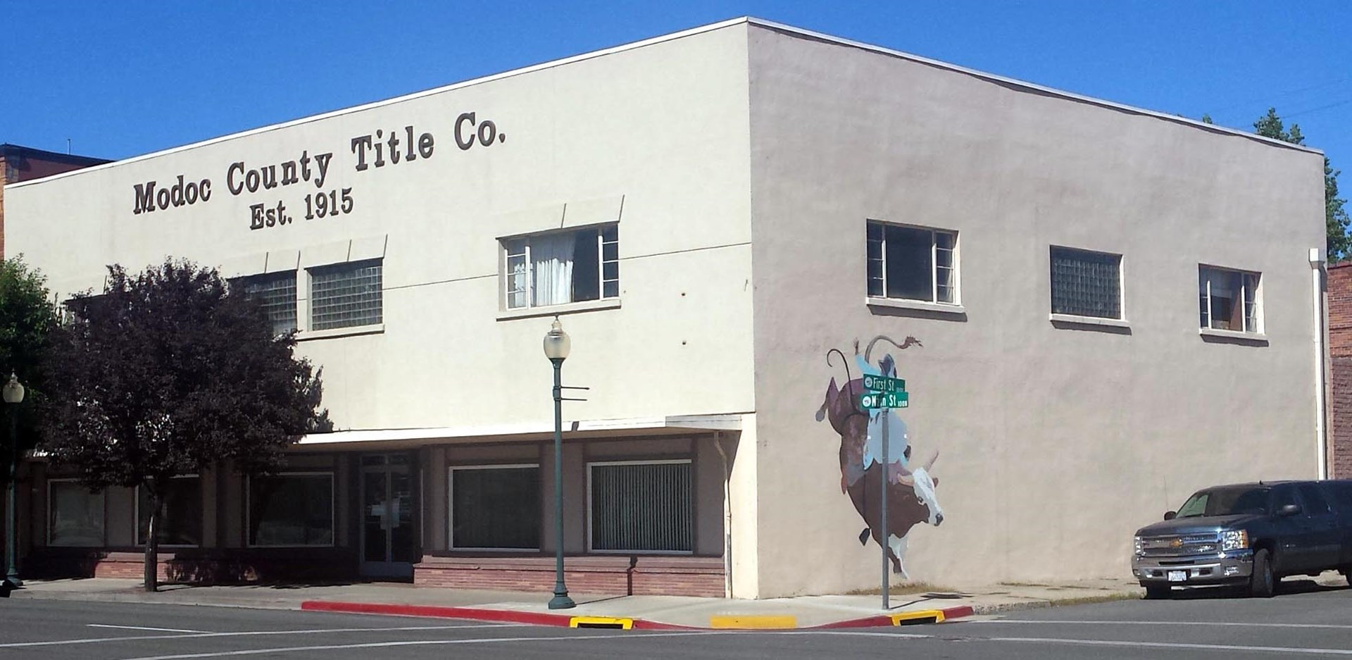 Income producing Commercial Building, Main Street Exposure