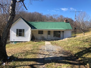 3 BR, 1.5 BA HOME ON 22 ACRES FOR SALE IN WHITESBURG, TN