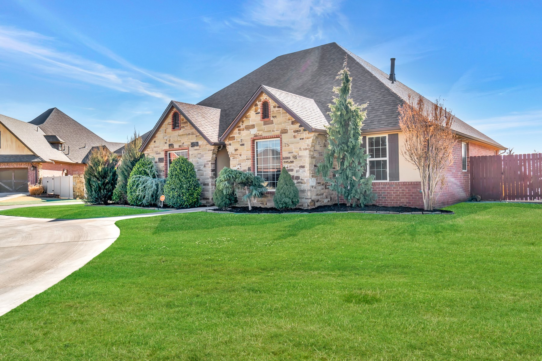 CORNER LOT HOME IN ELK CITY WITH A POOL