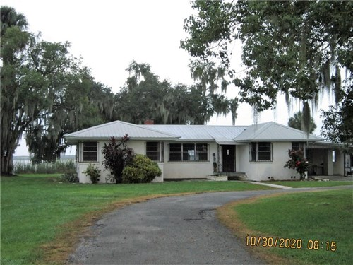 LAKEFRONT PROPERTY, 1.94 ACRES, 3/1 SOLID BLOCK HOUSE